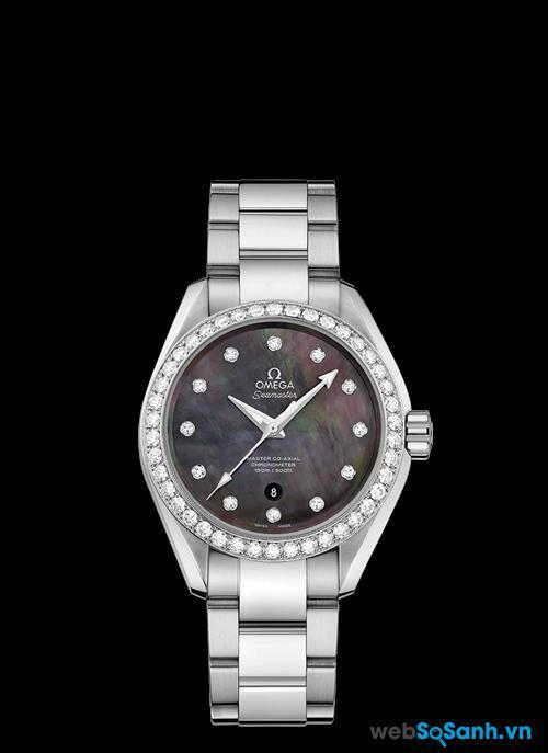 Đồng hồ Omega thật thường được cấu tạo chính xác và tỉ mỉ tới từng chi tiết