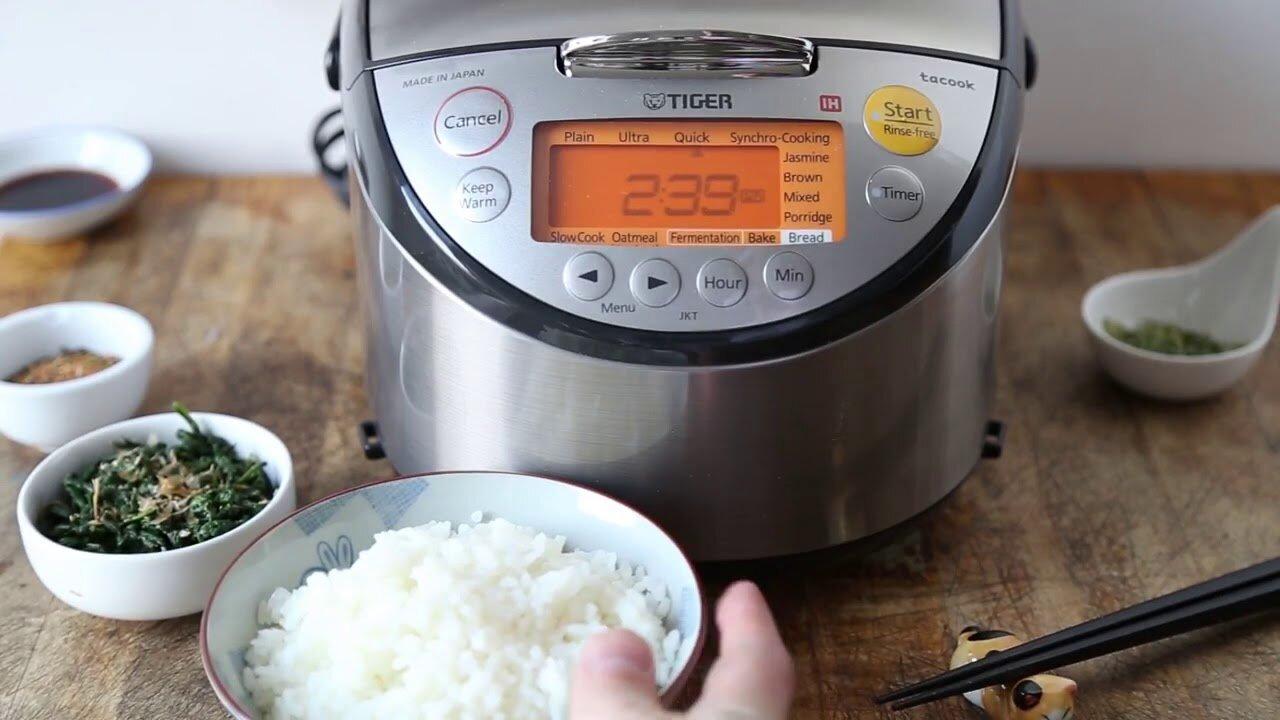 Nồi cơm điện áp suất cho chất lượng hạt cơm ngon, chín đều và luôn giữ ấm.