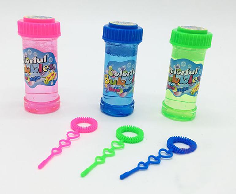 Vỉ đồ chơi 3 bình thổi bong bóng xà phòng và vợt