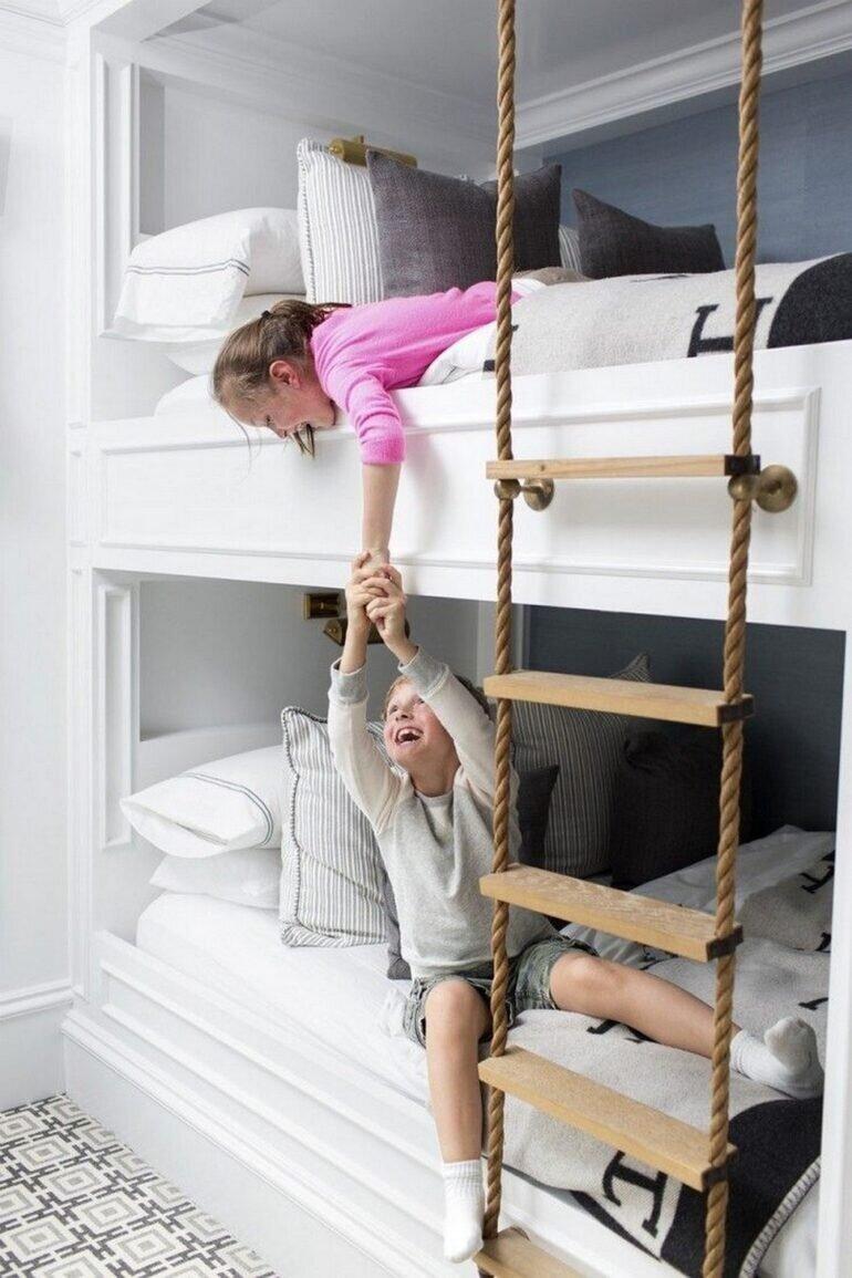 Bé đã hiểu và tuân thủ được các quy tắc an toàn với giường 2 tầng trẻ em