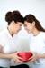 Chọn quà 20/10 cho mẹ chồng nàng dâu cần chú ý điều gì?