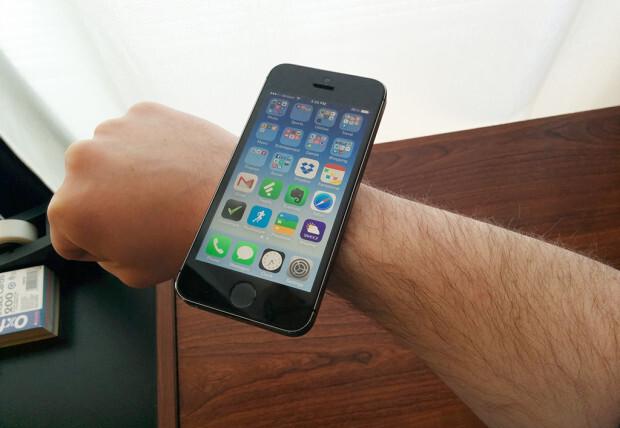 iWatch không thể đầy đủ chức năng như iPhone hoặc iPad.