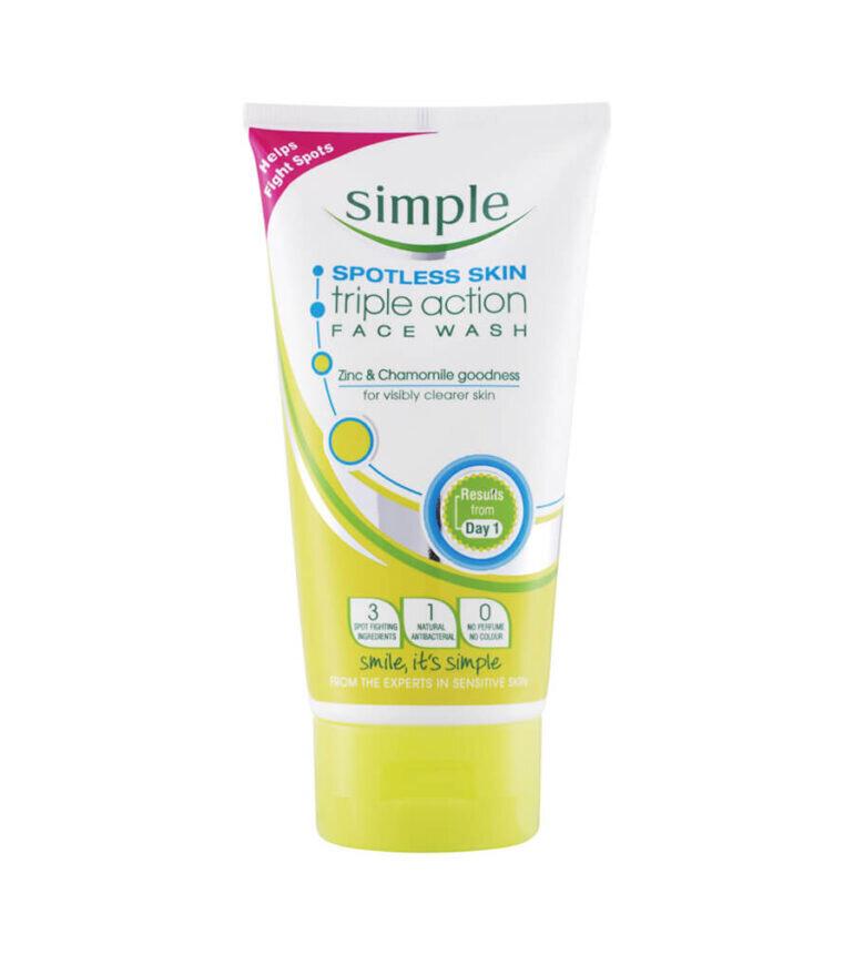 Sữa rửa mặt Simple Spotless Skin Triple Action Face Wash 200ml - Giá tham khảo: 200.000 vnđ/ tuýp