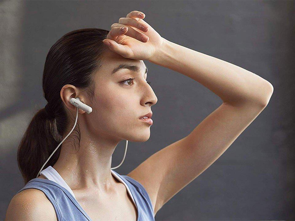 Tai nghe Bluetooth Sony Wi-SP500 có giá 1.890.000 đồng