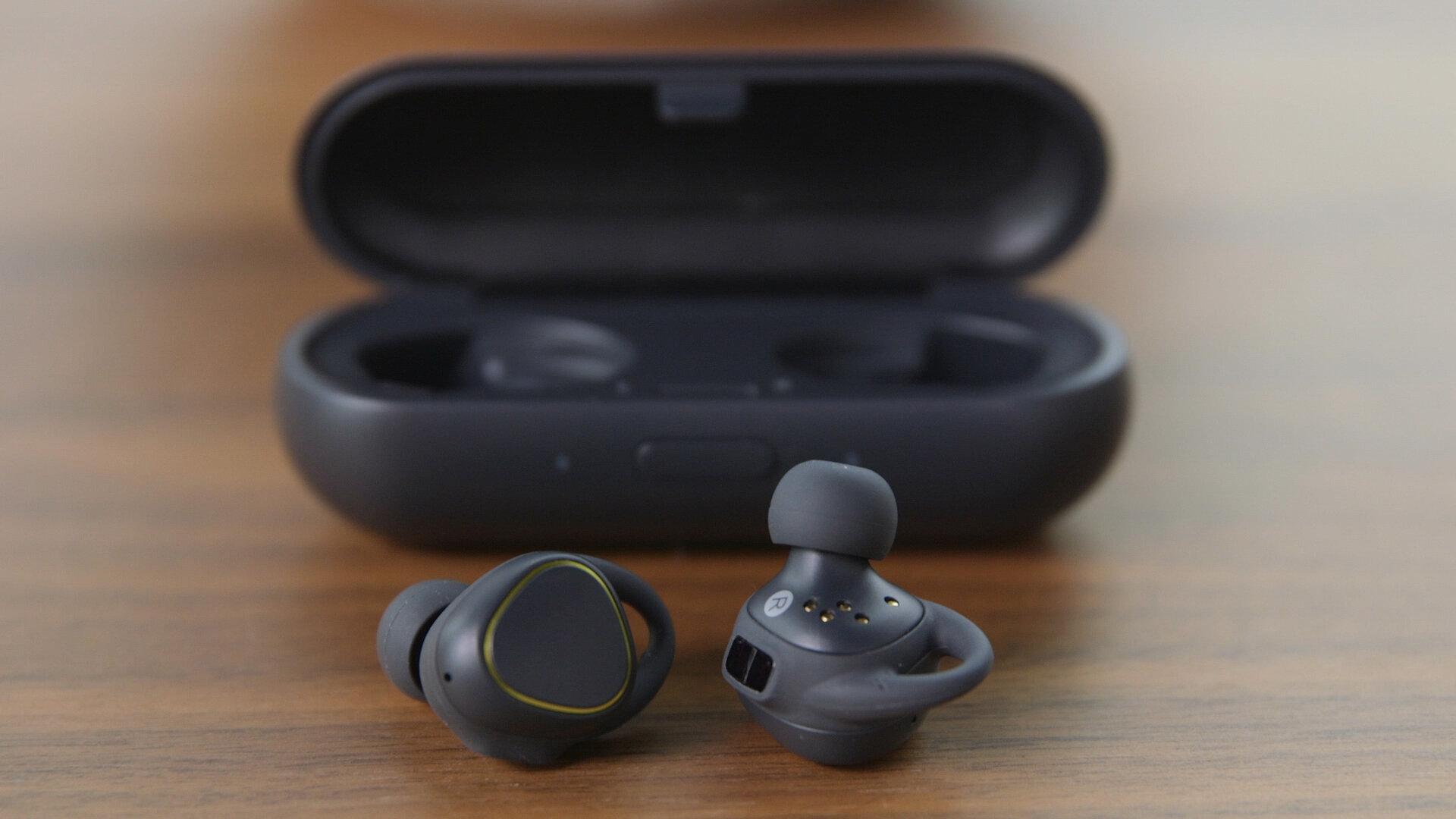 Tai nghe không dây Samsung Gear iConX sở hữu nhiều công nghệ hiện đại