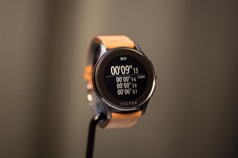 Vector, smartwatch có thời lượng pin 30 ngày cùng khả năng tương thích nhiều hệ điều hành