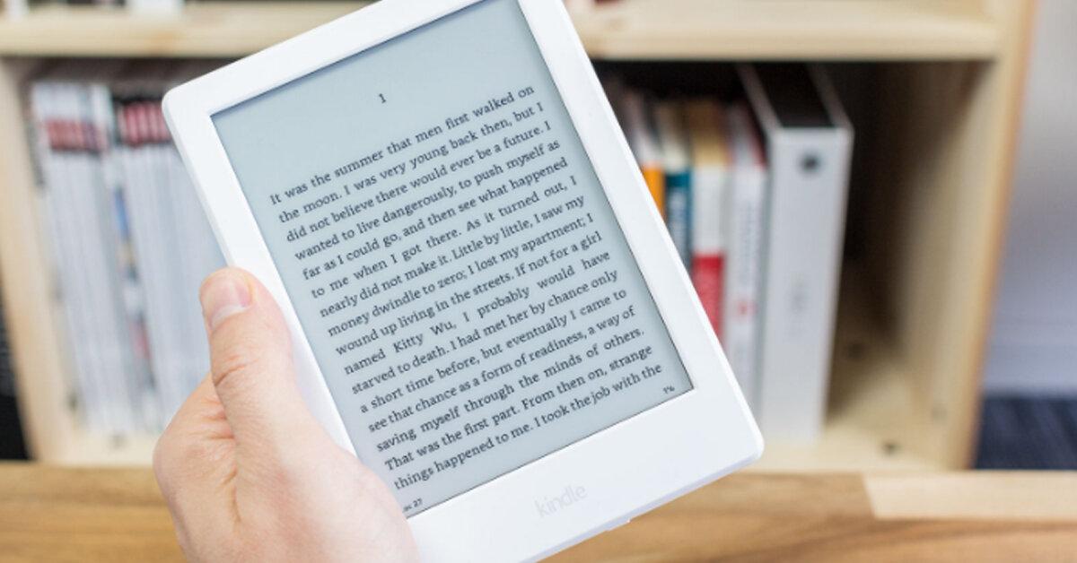 """Vì sao các """"mọt sách"""" lại đổ xô đi mua Amazon Kindle Paperwhite 2017 khi Kindle Oasis vừa được ra mắt?"""