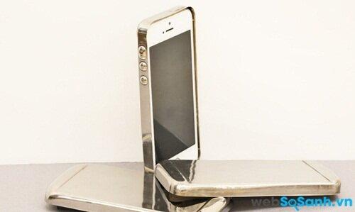 Vỏ chiếc điện thoại thông minh sẽ có độ cứng gấp 3 lần thép