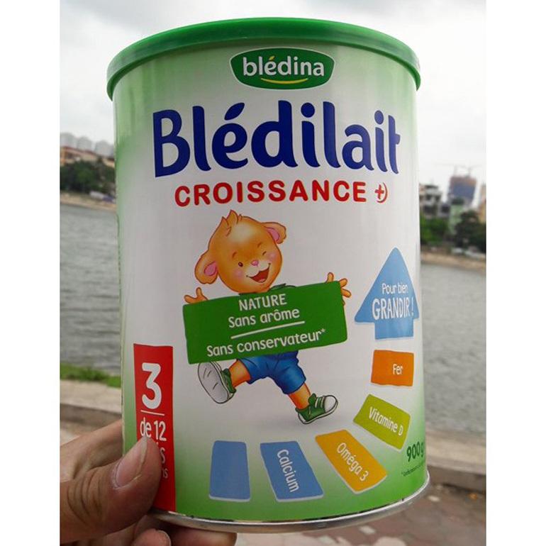 Sữa bột Bledina mát và tăng cân tốt.