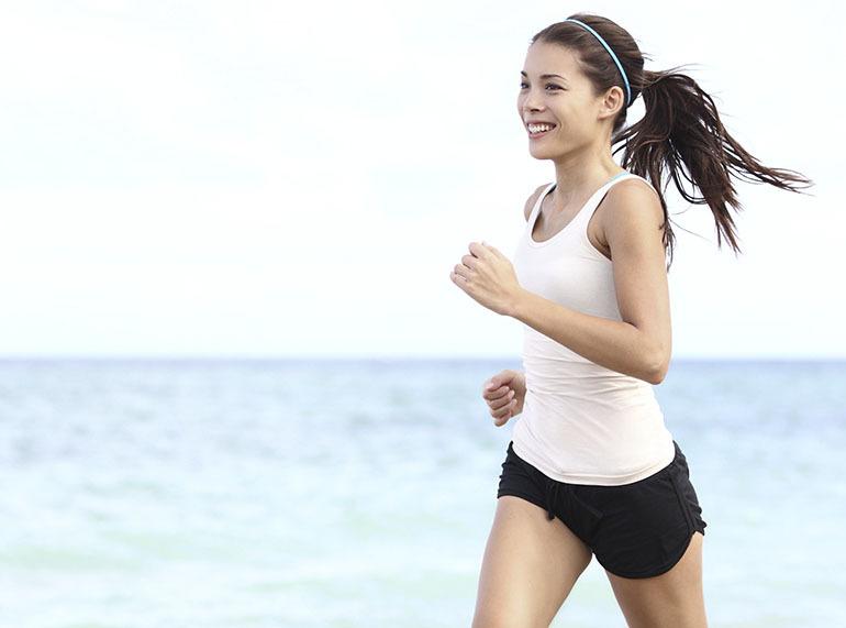 Luyện tập thể thao chính là cách tự nhiên bảo vệ sức khoẻ tốt nhất, điều này nhằm tăng cường độ dẻo dai trên da giúp da đàn hồi và phát triển mạnh mẽ hơn nhiều