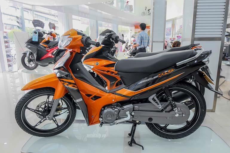 xe máy Yamaha Sirius màu cam đen 2018