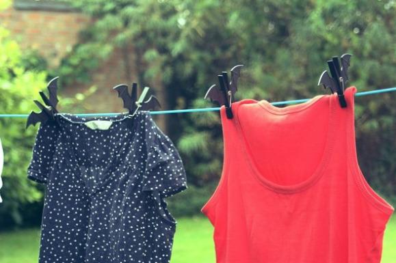Tốc độ vắt ảnh hưởng đến thời gian khô của quần áo