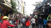 7 khu chợ giá rẻ dành cho sinh viên tại Hà Nội