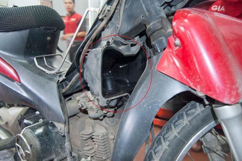 xe máy tốn xăng do lọc gió bẩn
