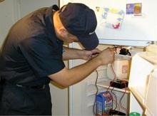 Tủ lạnh Toshiba bị rò rỉ và gây điện giật phải làm sao