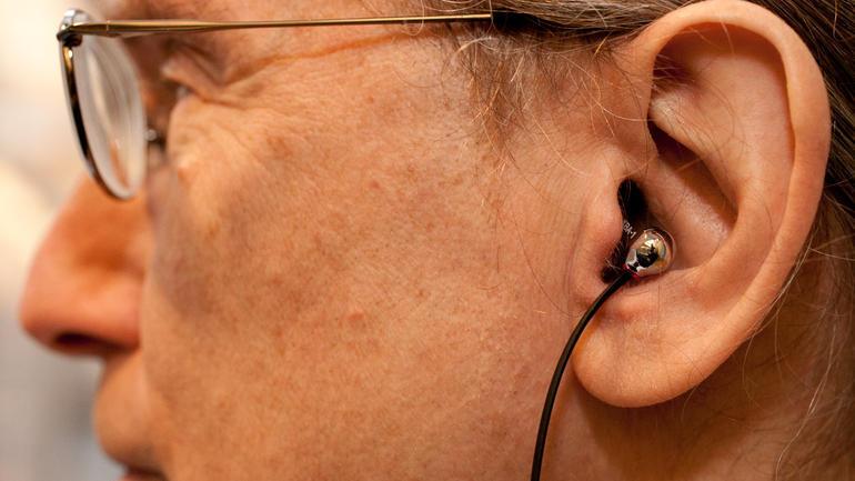 Chọn mua tai nghe
