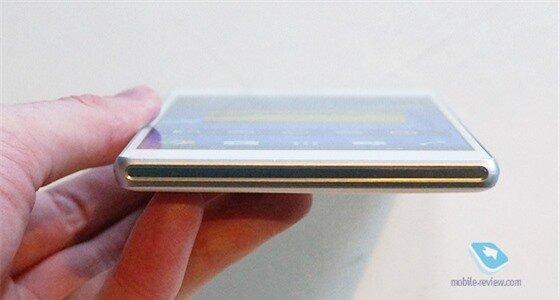 Cận cảnh Sony Xperia T2 Ultra 13