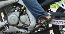 Xe máy bị kẹt cứng số, không lùi lại được phải làm gì?