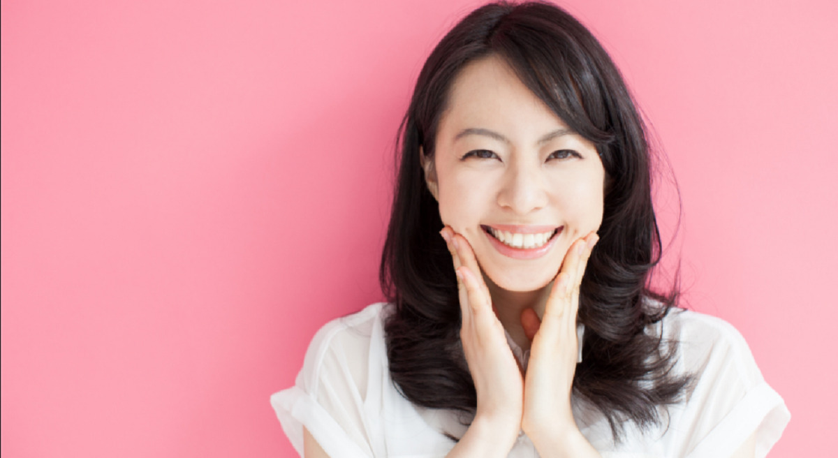 Ngoài chú ý đến việc dưỡng trắng, bạn cũng cần phải sử dụng kem chống nắng để bảo vệ da