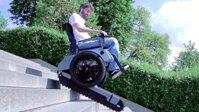 Xe lăn dễ dàng lên xuống thang bộ sẽ phổ biến trong tương lai