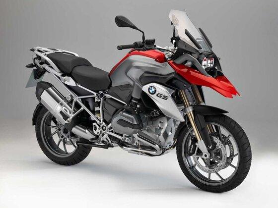 Xe phân khối lớn có tốn xăng không? 10 moto tiết kiệm xăng đi xa nhất