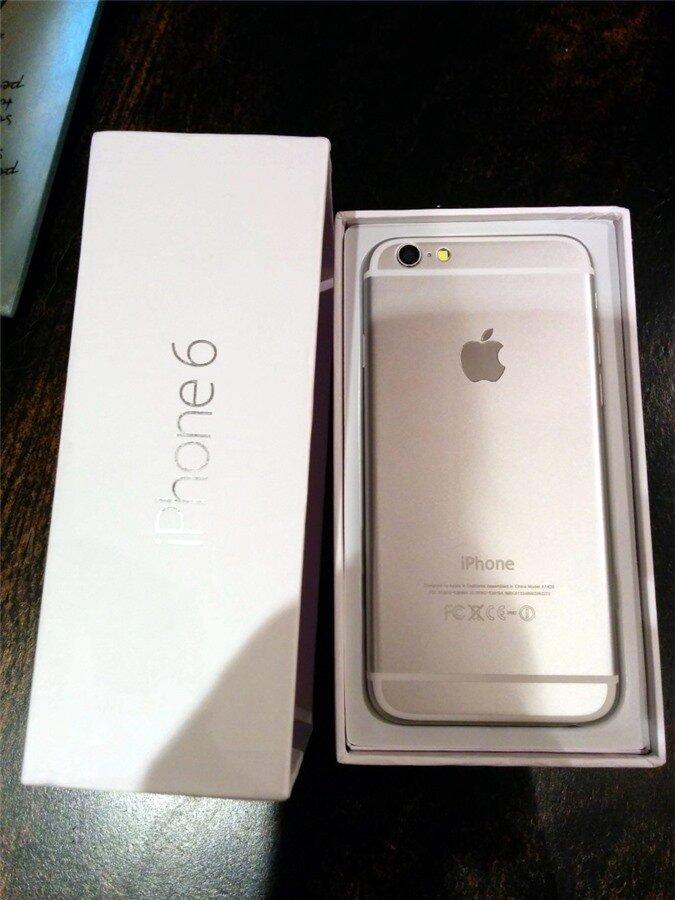 """Xem clip mở hộp mô hình iPhone 6 """"nhái"""" như thật xuất xứ tại Trung Quốc"""