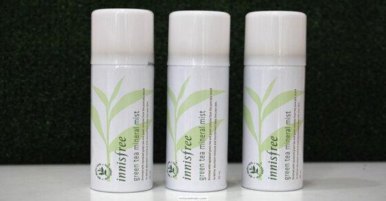 Xịt khoáng trà xanh Innisfree và lô hội Aloe Revital Skin Mist, nên chọn loại nào?