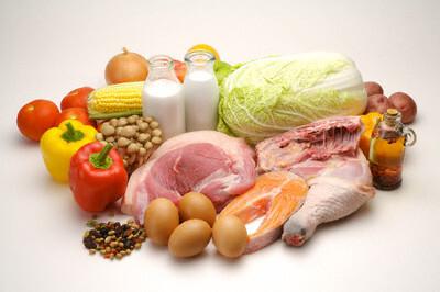 Thêm vào thực đơn cá, thịt, trứng, sữa