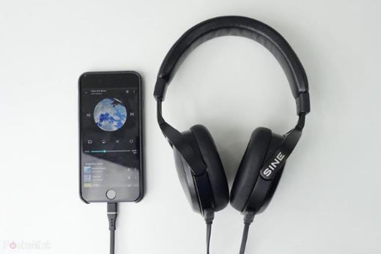 Top 3 tai nghe có kết nối cổng lightning tốt nhất dành cho chủ sở hữu iPhone