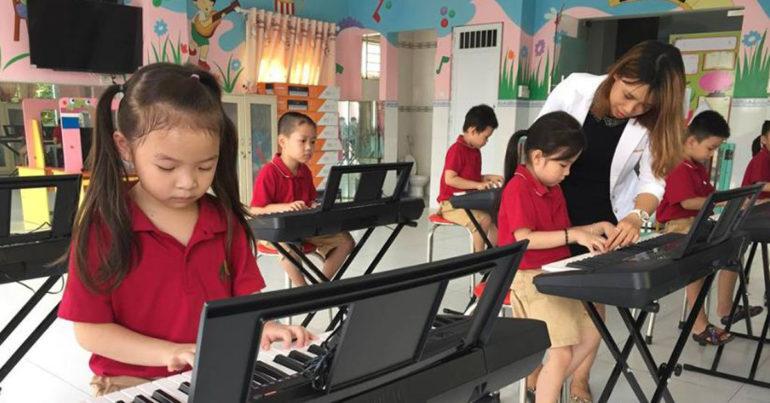 Chọn đàn organ nào cho phù hợp với độ tuổi Tiểu học ?