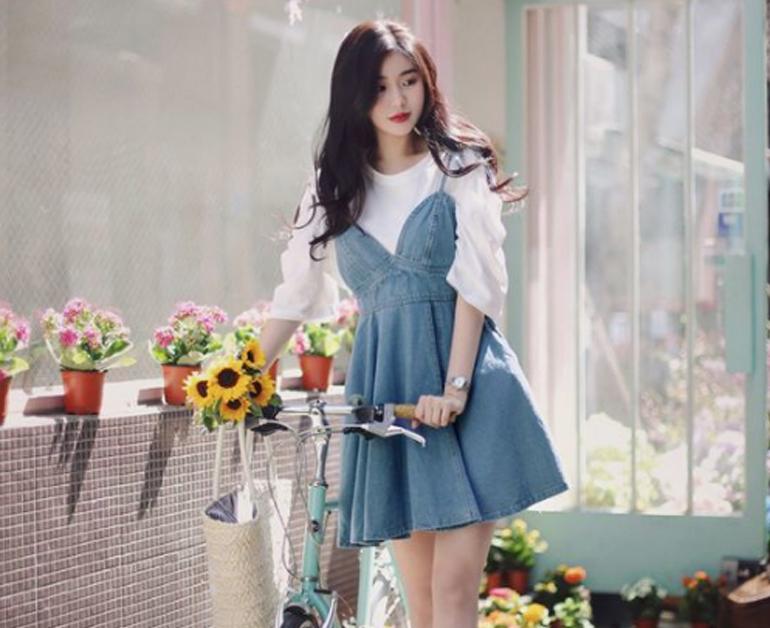 Áo thun + váy yếm