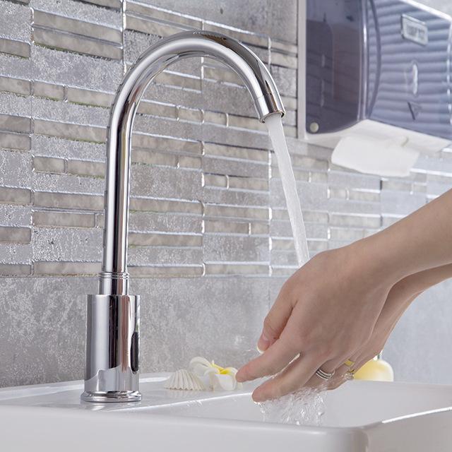 vòi rửa cảm biến tiết kiệm nước