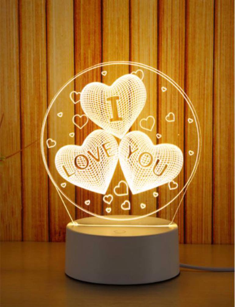 """Đèn ngủ với 3 hình trái tim kèm dùng chữ """" I Love You"""""""