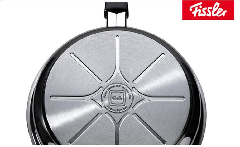 Đáy chảo công nghệ Cookstar của Fissler với khả năng truyền nhiệt và giữ nhiệt tốt