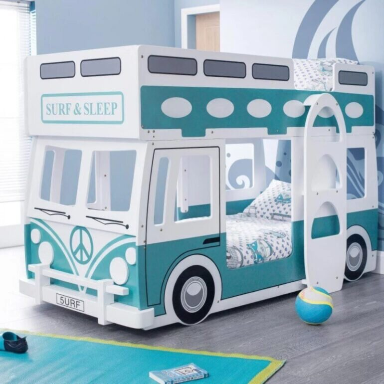 Giường tầng tạo hình những chiếc ô tô sống động và đẹp mắt