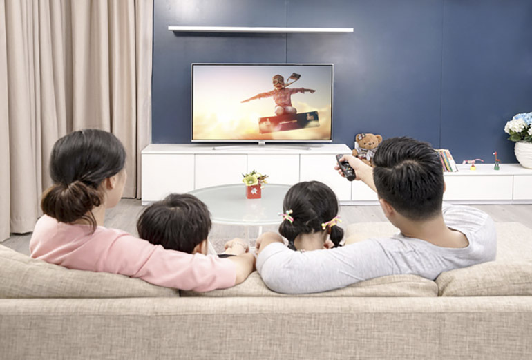 """Những lưu ý khi chọn mua tivi 4K làm """"bến đỗ"""" an toàn cho gia đình"""