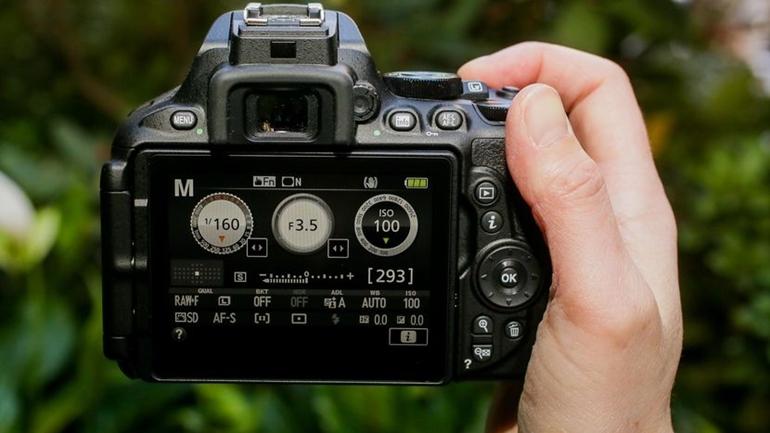 máy ảnh dslr