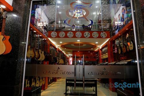 Nhạc cụ Sài Gòn có kinh nghiệm 10 năm hoạt động