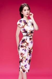 Đầm body họa tiết giống Ngọc Trinh