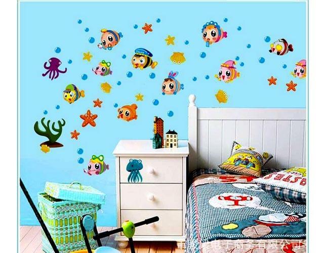 Decal trang trí dán tường đàn cá sắc màu