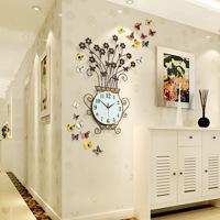 Đồng hồ trang trí pha lê JT1518 thiết kế bình hoa rực rỡ tạo điểm nhấn nổi bật và ấn tượng cho căn phòng