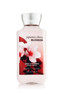 Kem dưỡng thể Bath and Body Works Japanese Cherry Blossom - 236 ml