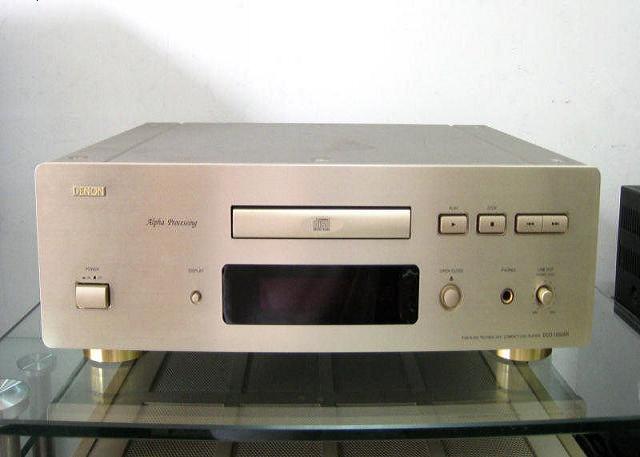 Đầu CD Denon 1550 AR