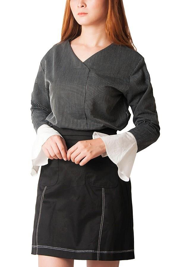 Áo kiểu kẻ sọc tay loe Carita BW0010
