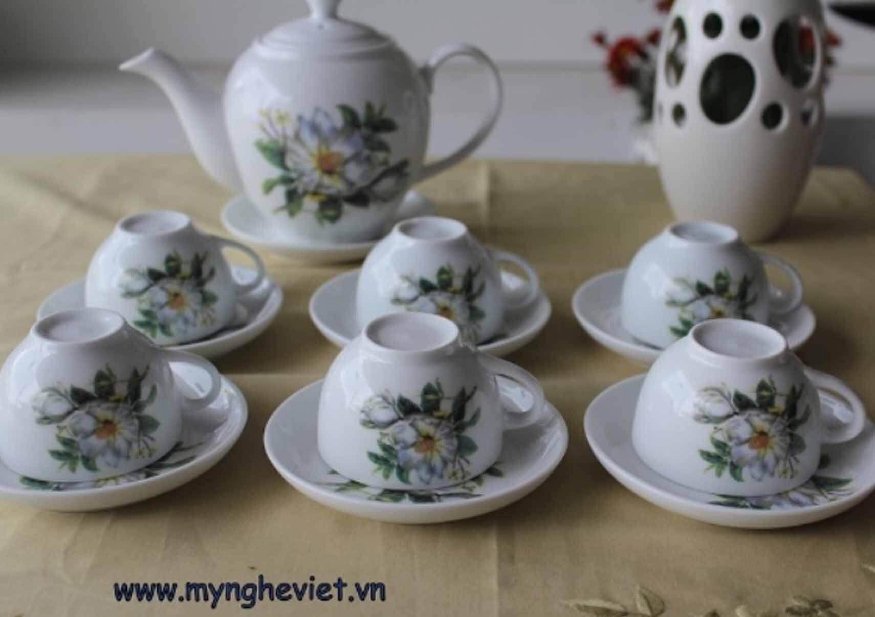 Bộ bình trà men trắng vẽ hoa trà MNV-TS005