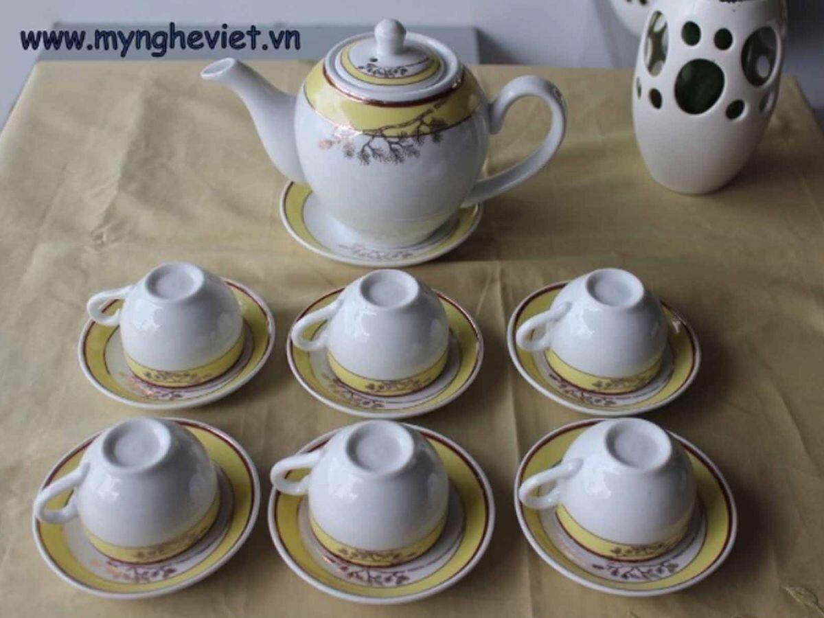 Bộ bình trà men trắng vẽ hoa vàng MNV-TS012