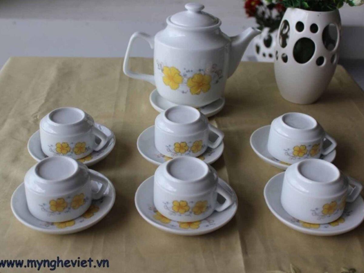 Bộ bình trà men trắng vẽ hoa mai MNV-TS011