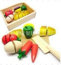 Bộ cắt hoa quả gỗ thông