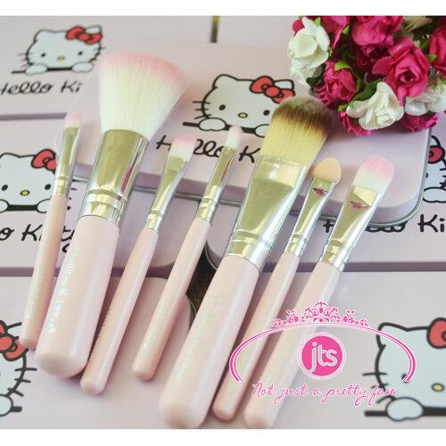 Bộ cọ trang điểm mini Hello Kitty