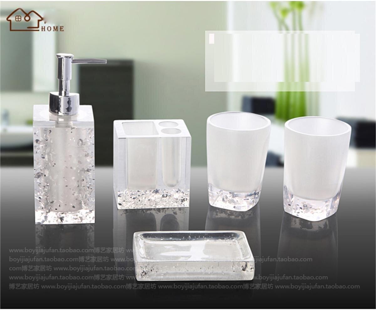 Bộ dụng cụ nhà tắm 4 món BDNT01